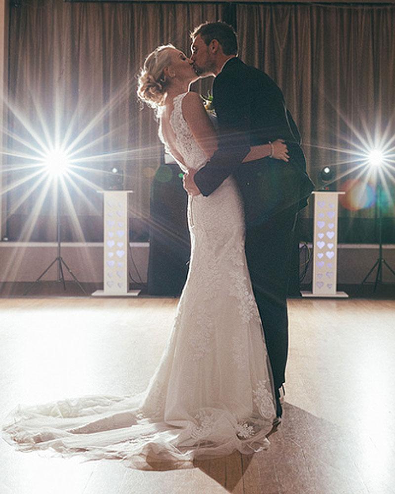 yorkshire dj beats kissings couples